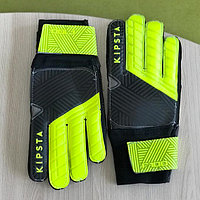 Молодежные перчатки вратаря. Перчатки Kipsta для тренировок вратаря