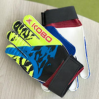 Молодежные перчатки вратаря. Перчатки Kobo для тренировок вратаря