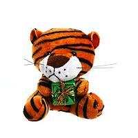 Мягкая игрушка 'Тигр с подарком', 8 см, на подвесе, цвета МИКС
