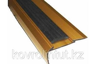 Планка на ступени с резиновой вставкой  22*42мм 1,8 м золото