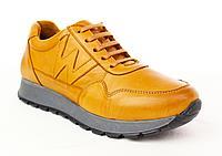 Кожаные женские кроссовки