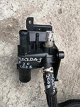 Корпус воздушного фильтра Mazda 3.  2008г.