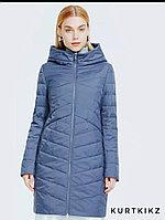 Длинная осенняя куртка женская серо-голубого цвета