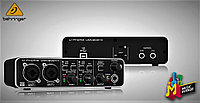 BEHRINGER UMC202HD Аудио интерфейс