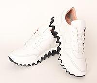 Женские кроссовки кожаные, белые.