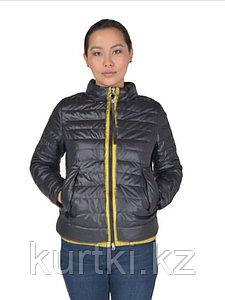 Зимняя женская куртка черного цвета