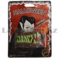 Накладные зубы вампира Halloween зеленые