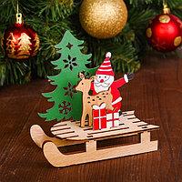 Декор 'Дед мороз с оленем на санях'