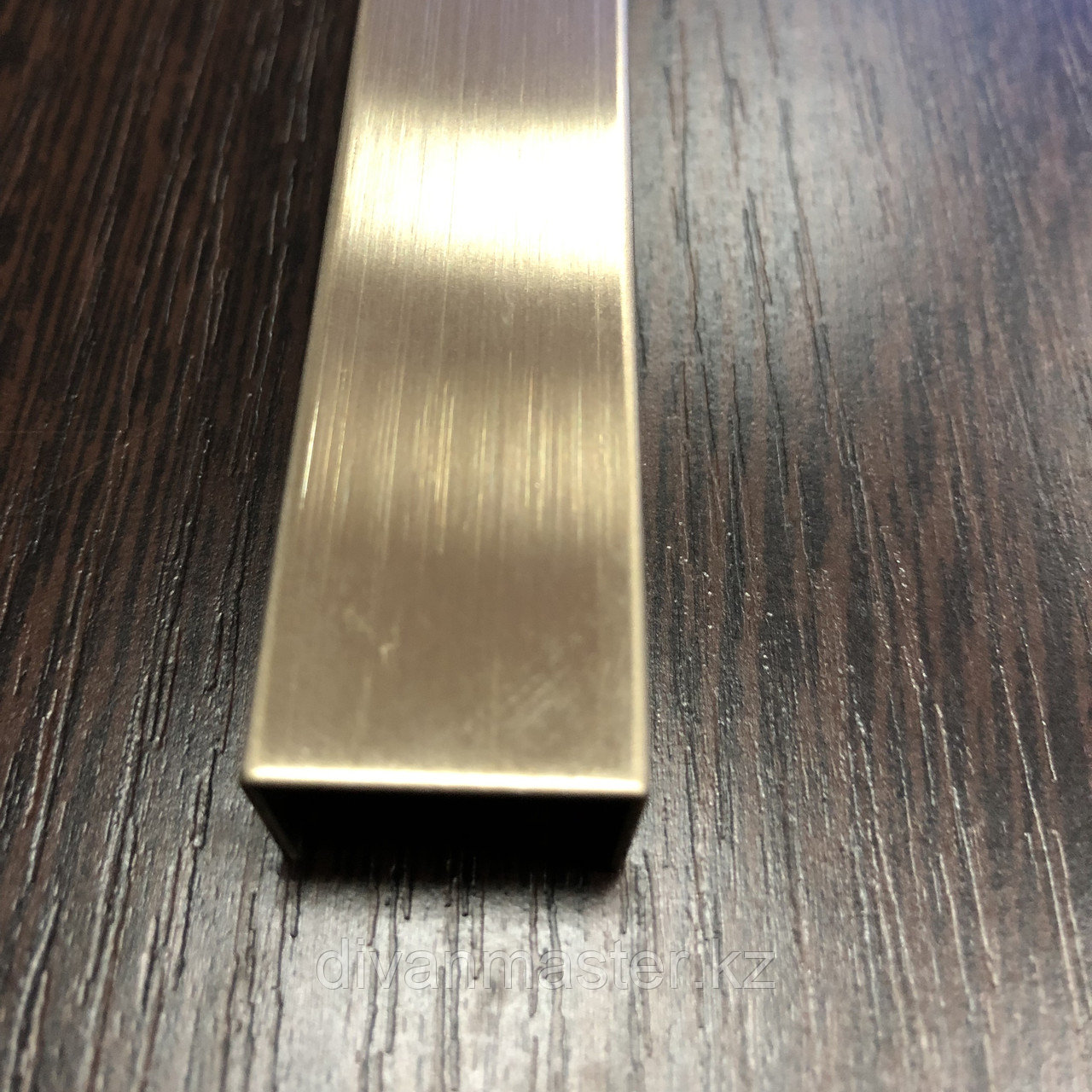 12*30 - профиль для декорирования мебели 12*30, золото матовое, 305 см