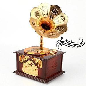 Шкатулка музыкальная механическая «Старенький граммофон» (Красное дерево)