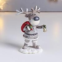 Сувенир полистоун 'Лосик Родя в костюме Деда Мороза, с мешком и колокольчиком' 10х5х6,5 см (комплект из 6 шт.)