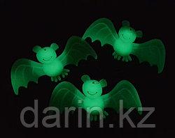 Летучая мышь фосфорная на Хэллоуин