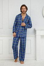 Мужская пижама на пуговицах.