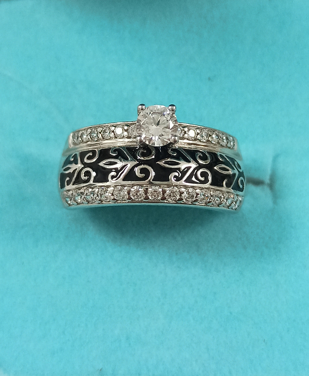 Кольцо серебро  размер кольца 16,5.