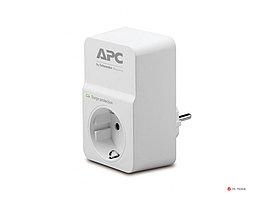 Сетевой фильтр APC PM1W-RS Essential SurgeArrest, 1 розетка, 230 В, CEE7 Schuko, белый