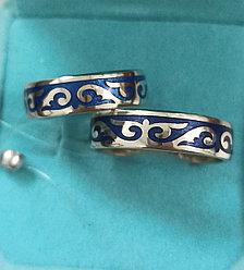 Кольца серебро ( обручальные). размер кольца 17 и 19,5 синяя эмаль.