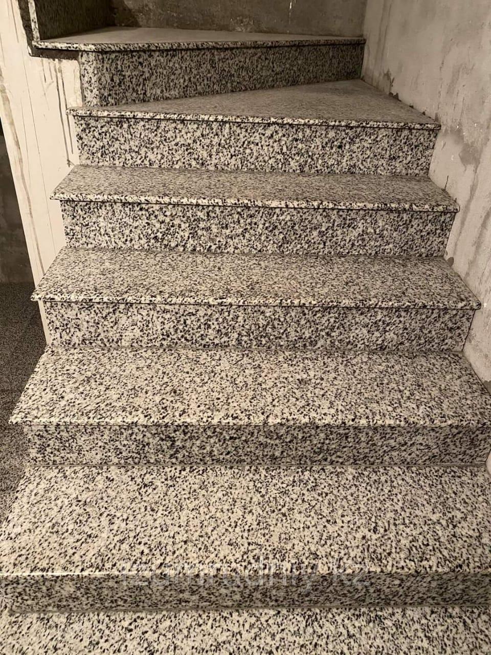 Каменная плитка для отделки ступеней