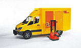 MB Sprinter фургон DHL с погрузчиком Bruder (02-534), фото 4