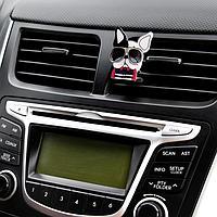 Украшение в дефлектор автомобиля 'Пес'