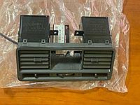 Решетка вентиляционная (дефлектор) Mitsubishi Pajero 2