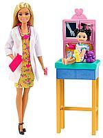 Кукла Barbie: Кем стать? Врач-педиатр