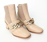 Ботинки женские, на каблуке. Натуральная кожа.