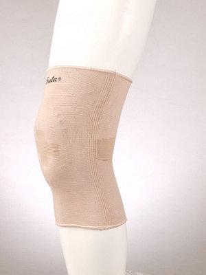 Фиксатор коленного сустава с силиконовой вставкой (S) F 1601, бежевый