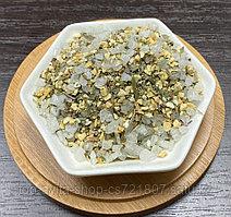 Морская соль с дробленным чесноком и итальянскими травами.