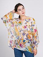Блузка с V-вырезом и цветочным принтом