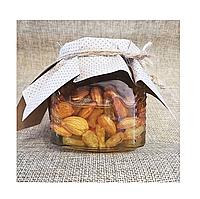 Полезный микс изюм и абрикосовые косточки в меду