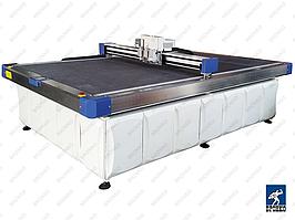 DCS2516VC. Промышленный планшетный режущий плоттер 2500x1600 мм