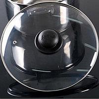 Крышка с металлическим ободом с прикручивающейся ручкой и держателем 28 см