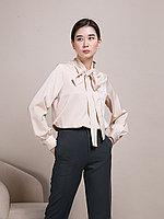 Атласная женская блузка с завязками