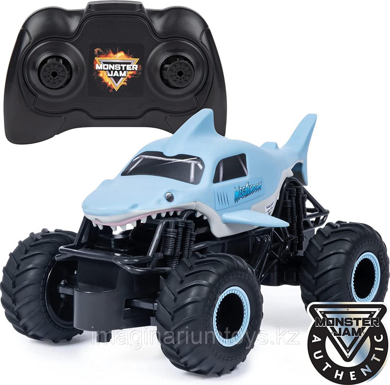 Машина на пульте управления Monster Jam Megalodon Акула масштаб 1:24