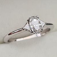 Золотое кольцо с бриллиантами 0.58Сt SI2/G Овал + Триллианты