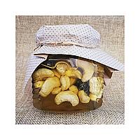 Полезный микс изюм и орехи кешью в меду