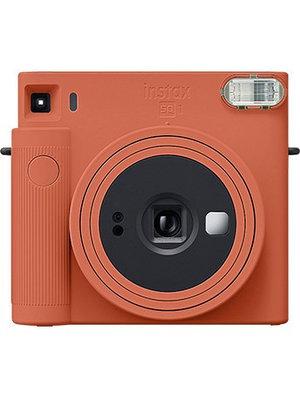 Моментальная фотокамера Fujifilm INSTAX SQUARE SQ1 оранжевый