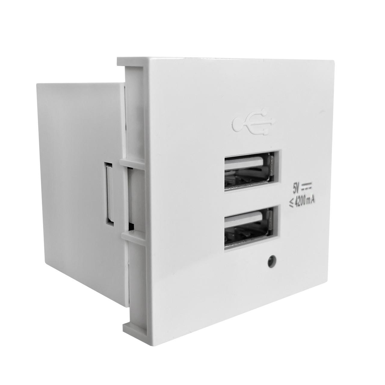 Shelbi Розетка зарядка 2- портовая USB, 4.2A, 45х45, белая
