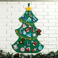 Интерьерная ёлка 'Новогодняя', 22 игрушки на липучках, 2 гирлянды, 10 снежинок, 86x60 см
