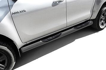 Защита порогов d76 с проступями серебристая Toyota Hilux (2020)