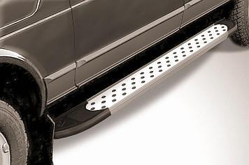 """Пороги алюминиевые """"Standart Silver"""" 1700 серебристые Lada 4x4 (ВАЗ 21213 NIVA 5-дверная)"""