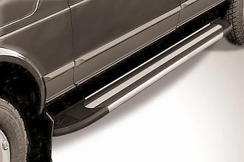 """Пороги алюминиевые """"Luxe Black"""" 1700 черные Lada 4x4 (ВАЗ 21213 NIVA 5-дверная)"""