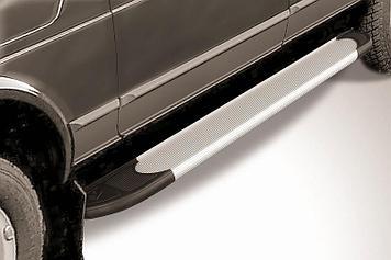 """Пороги алюминиевые """"Optima Silver"""" 1700 серебристые Lada 4x4 (ВАЗ 21213 NIVA 5-дверная)"""
