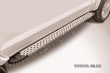 """Пороги алюминиевые """"Standart Silver"""" 2000 серебристые Toyota Hilux"""