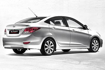 Защита заднего бампера d42 черная Hyundai Solaris (седан)
