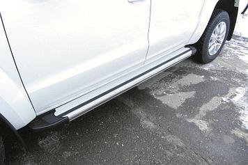 Пороги алюминиевые Luxe Silver 2000 серебристые Volkswagen Amarok (2016)