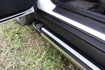 Пороги алюминиевые Luxe Black 1700 черные на Hyundai Tucson 4WD (2015)