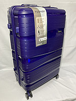 """Большой пластиковый дорожный чемодан на 4-х колесах"""" Fashion"""". Высота 74 см, ширина 46 см, глубина 28 см."""