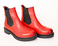 Ботинки осенние, натуральная кожа. Цвет красный.