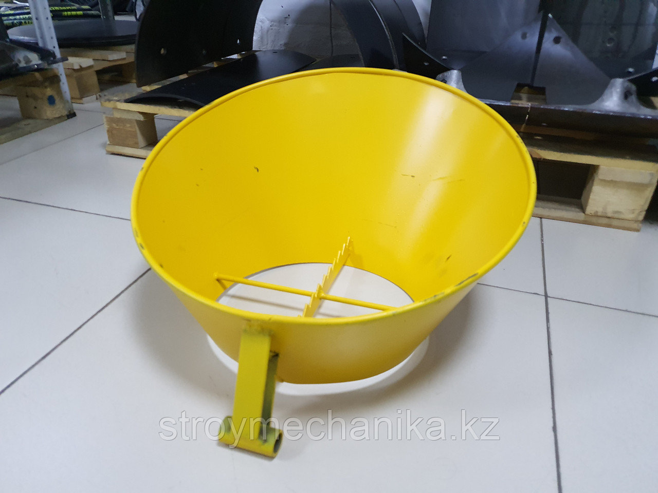 Воронка для пневмонагнетателя СО-241
